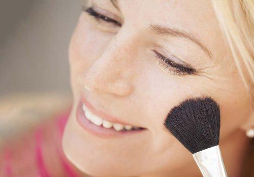 Choosing skin makeup